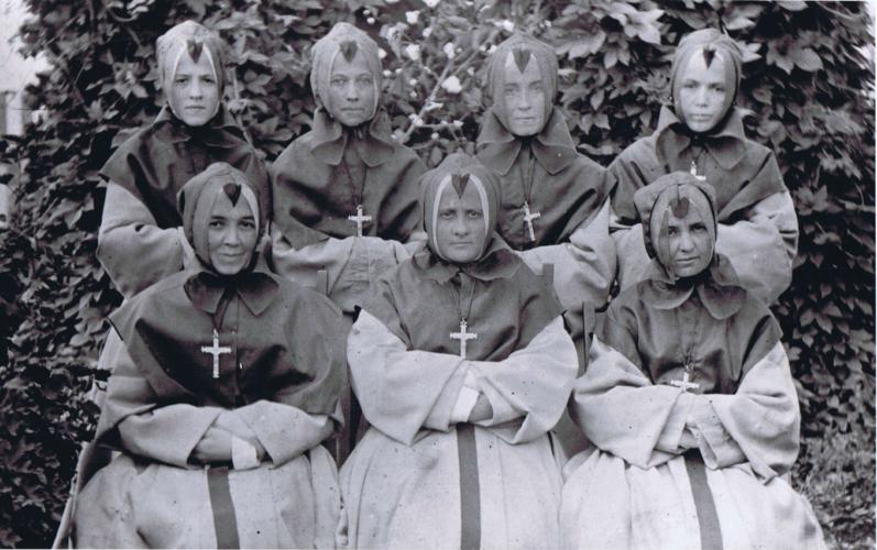 Grey Nuns, 1895